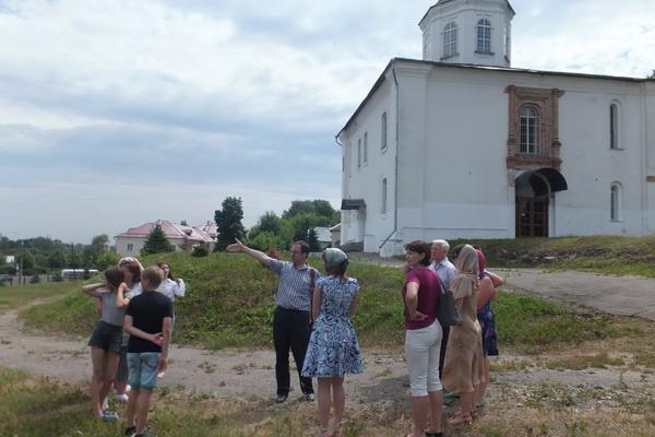 Сотрудники УФСИН России по Смоленской области приняли участие в экскурсии по святым местам Смоленска