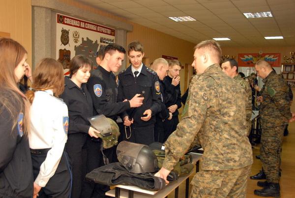 Учащиеся Смоленского юридического колледжа побывали в региональном УФСИН