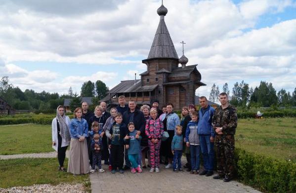 Сотрудники вяземского следственного изолятора побывали на истоке Днепра